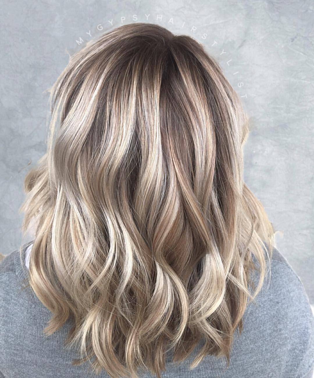 blonde balayage/ shoulder length hair/ dimensional blonde