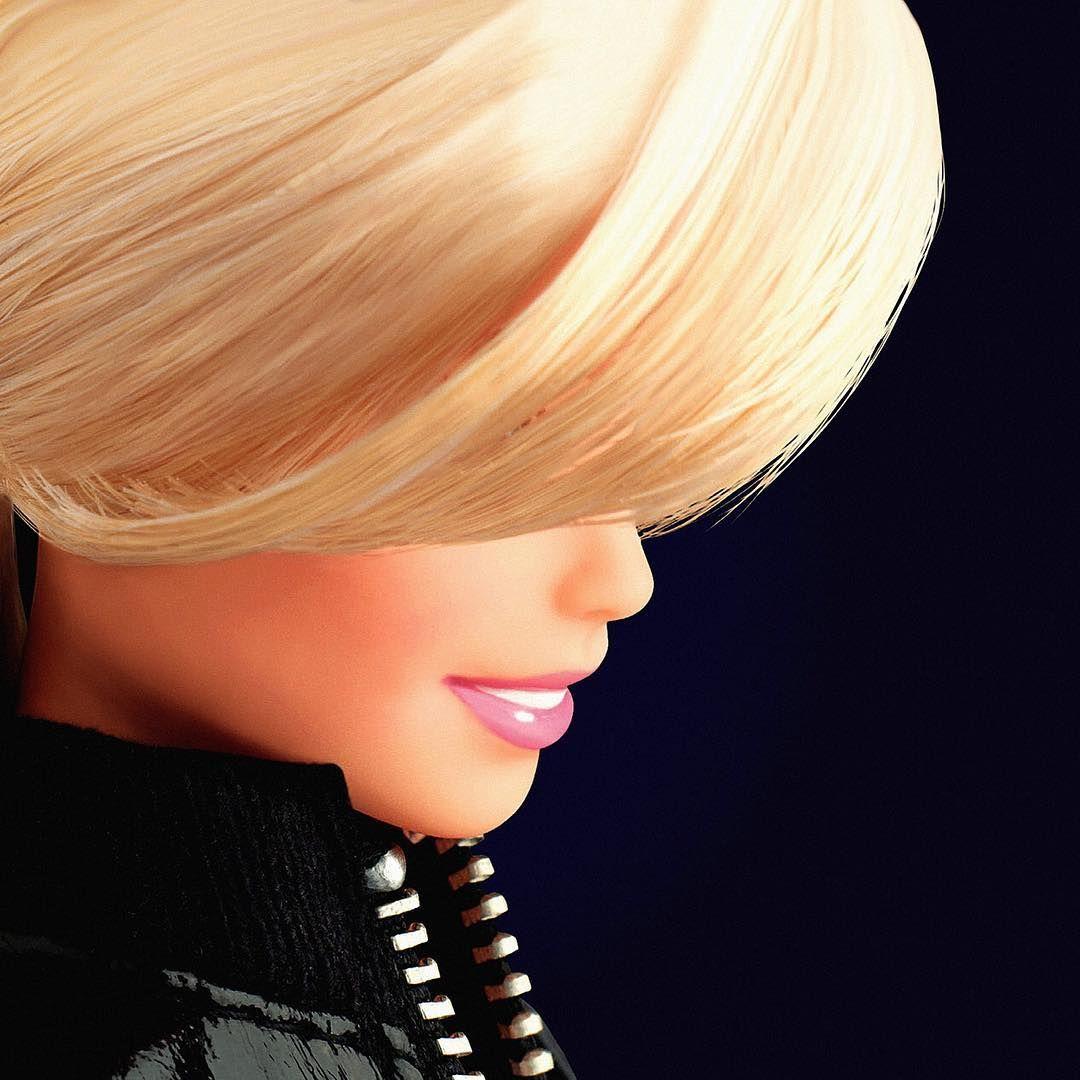 C Est Le Dernier Jour De L Exposition Barbie Ultime Occasion De Percer Le Mystere De La Plus Celebre Poupee Du Monde Barb In 2020 Fashion Pearl Earrings Pearls
