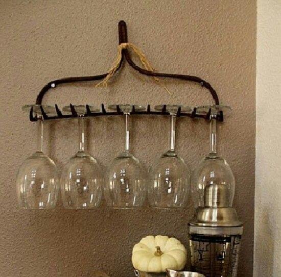 Absolutly love this rake head wine glass holder! ❤