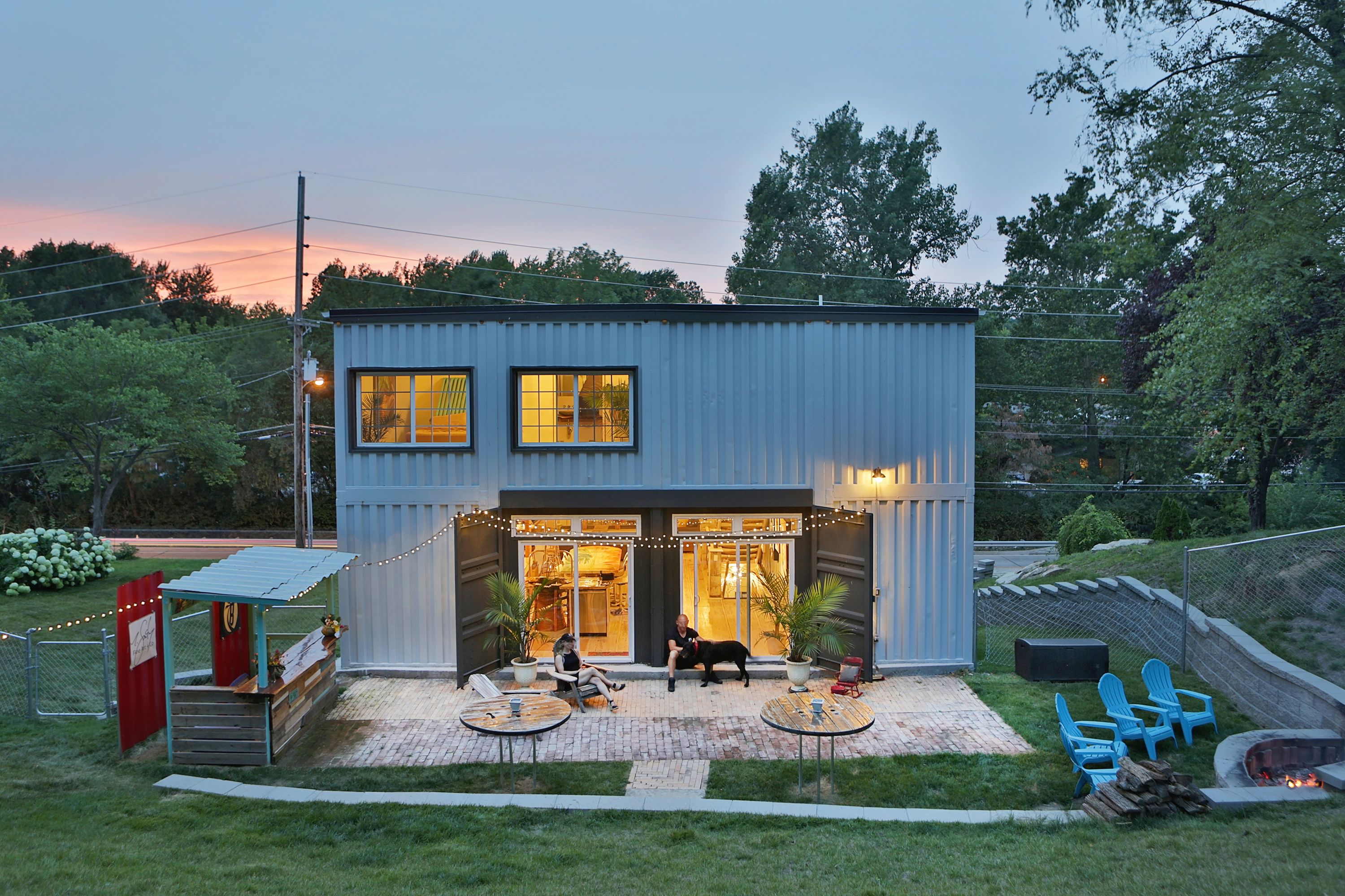 This 135k Shipping Container House Lets Its Owners Live Mortgage Free Container House Plans Container House Recycled House
