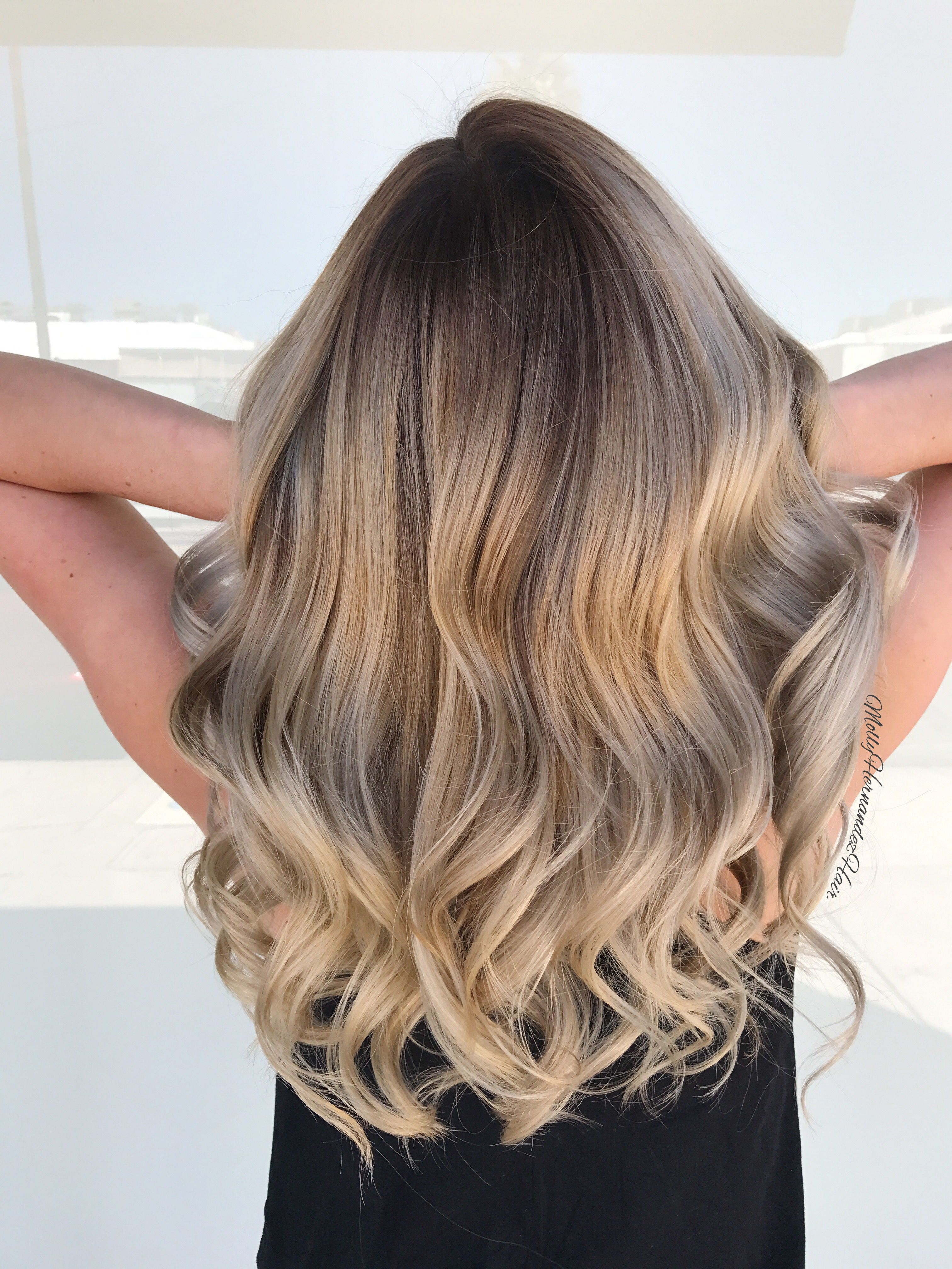 ash blonde balayage shadow root blonde hair lived in. Black Bedroom Furniture Sets. Home Design Ideas