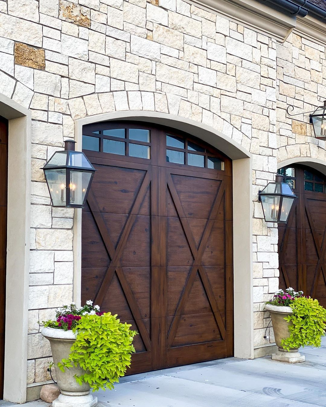 2 395 Likes 99 Comments Holly J Homewithhollyj On Instagram We Had Our Garage Doors At The Highland House Refin In 2020 Highland Homes Autumn Home French House
