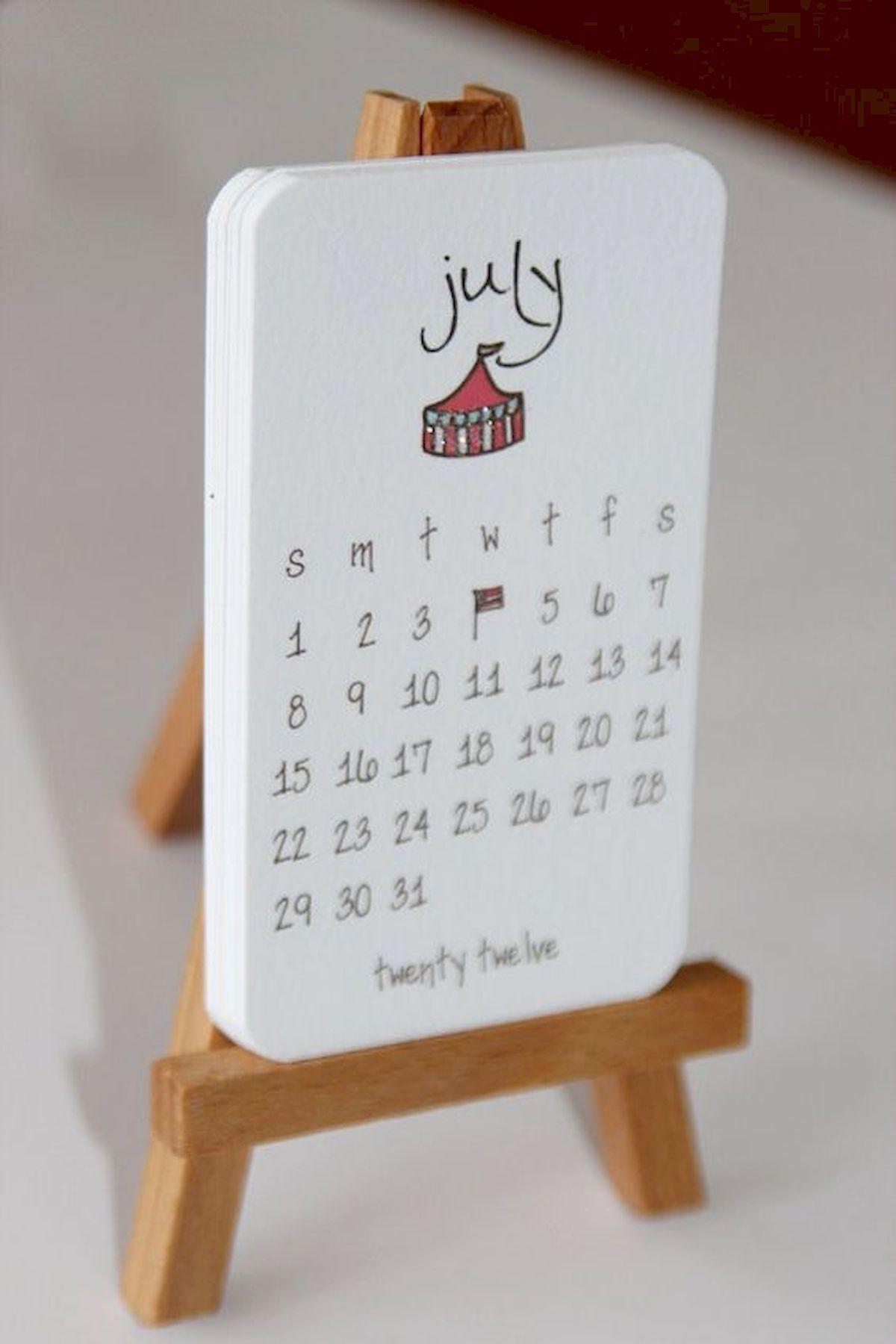 35 Gorgeous Diy Desk Calendar Ideas 1 With Images Diy Desk