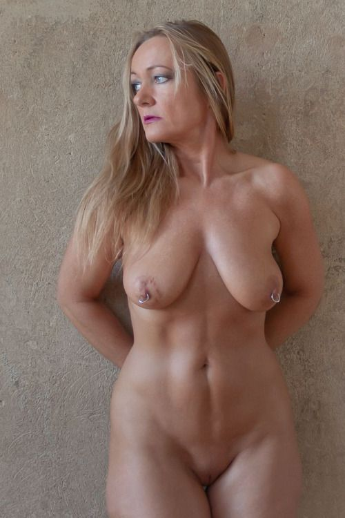 older nudist women self pic
