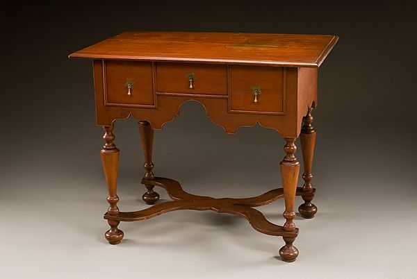1720 1740 American Dressing Table In Historic Deerfield Deerfield