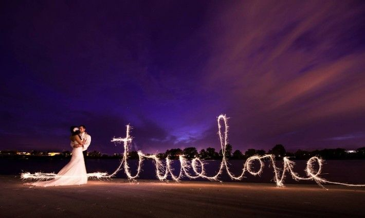 Sparkler Photos That Brides Will Love Wedding Sparklers