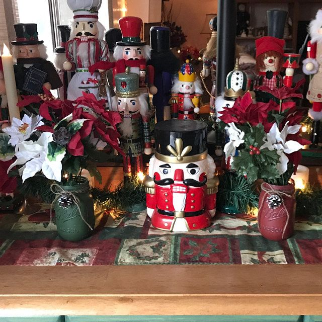 Christmas Mason Jars. Mason jar Christmas Set. Christmas Decor. Vase. Home Decor. Holiday Decor. Rustic Decor. Christmas Jars. Gifts. #masonjarbathroom