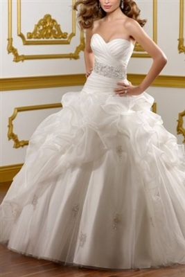 Dress #DB004057 Look and feel like Cinderella as you prance down the aisle in this beautiful dress.