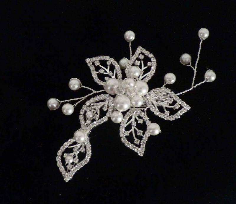 Brautschmuck perlen ivory  Haarschmuck Hochzeit Gesteck floral Kristalle und ivory Perlen ...