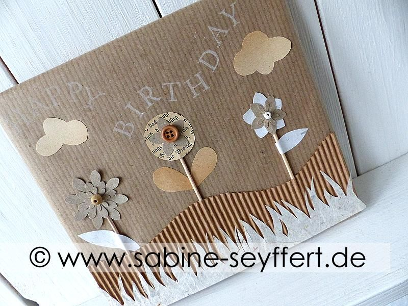 diy geschenkverpackung selbst gemacht fr hlingswiese aus packpapier buchseiten upcycling. Black Bedroom Furniture Sets. Home Design Ideas