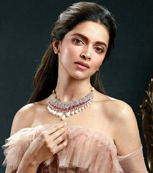 Deepika Padukone for Tanishq's Jewels of Royalty ...