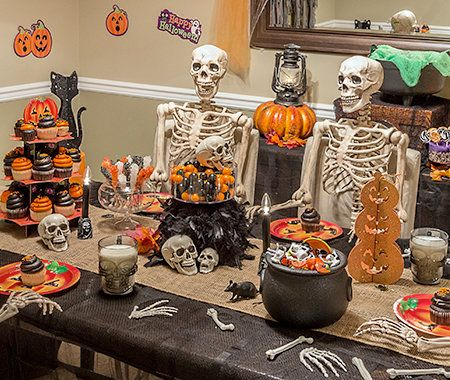 Pin by Katie Keyworth on Halloweeeeeeen Pinterest - how to decorate for halloween party