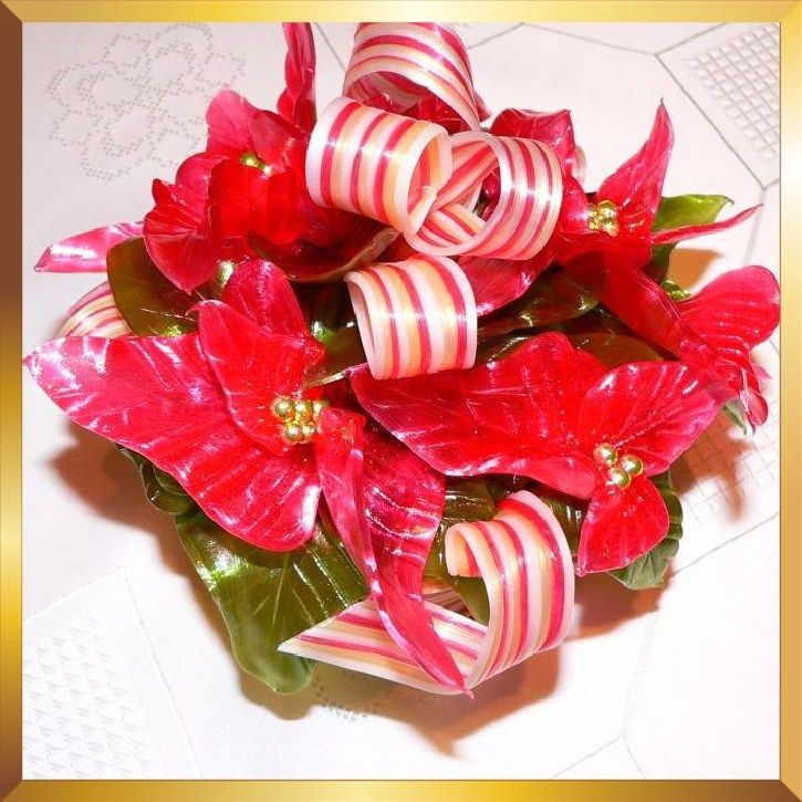 Sugar art Christmas poinsettia table decoration / cake
