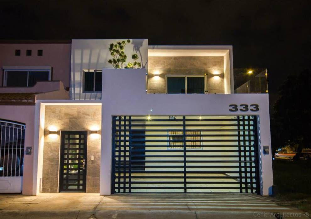 Casa at casas de estilo por cenit arquitectos home en for Casa moderno kl