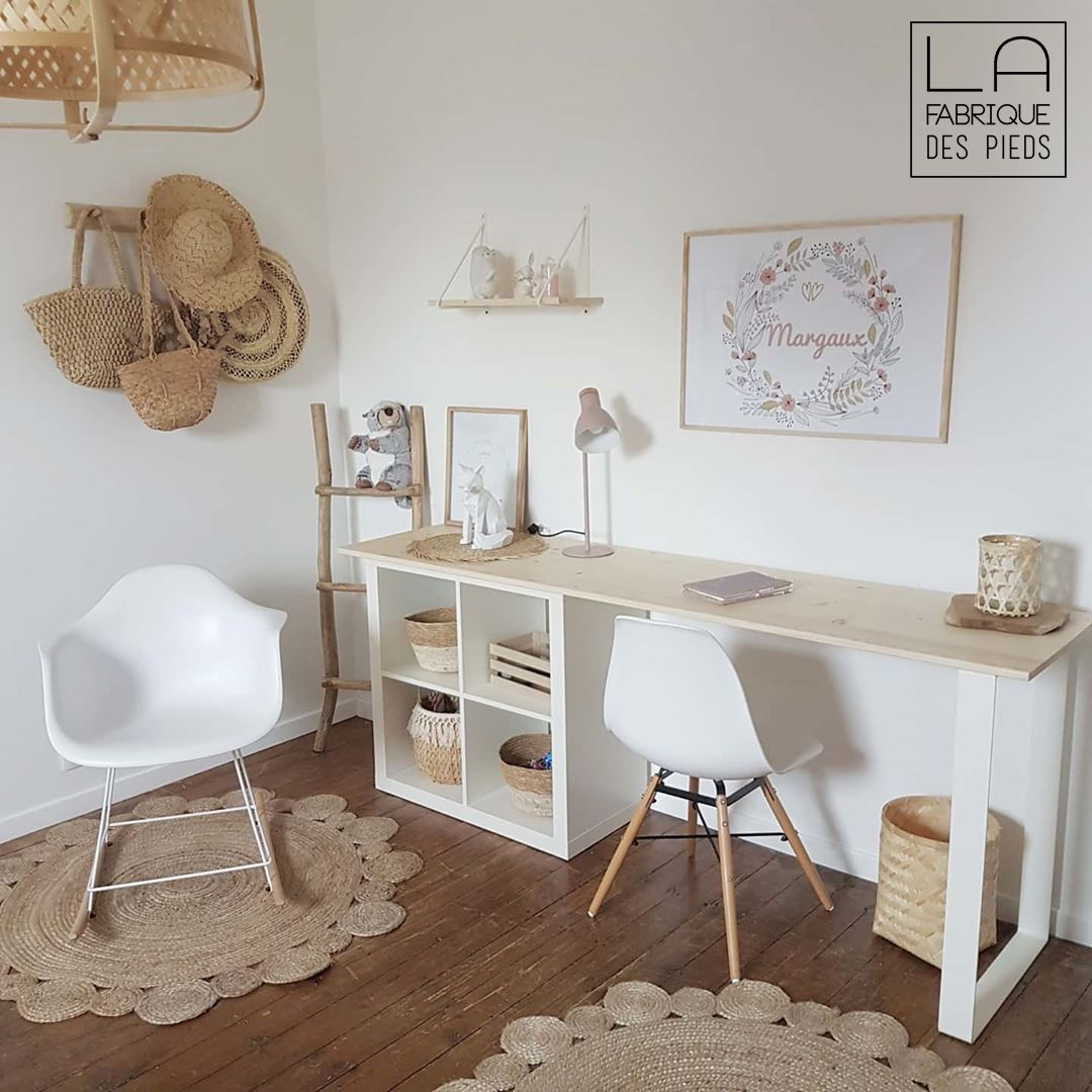 Photo of Bureau avec pied fer plat fin