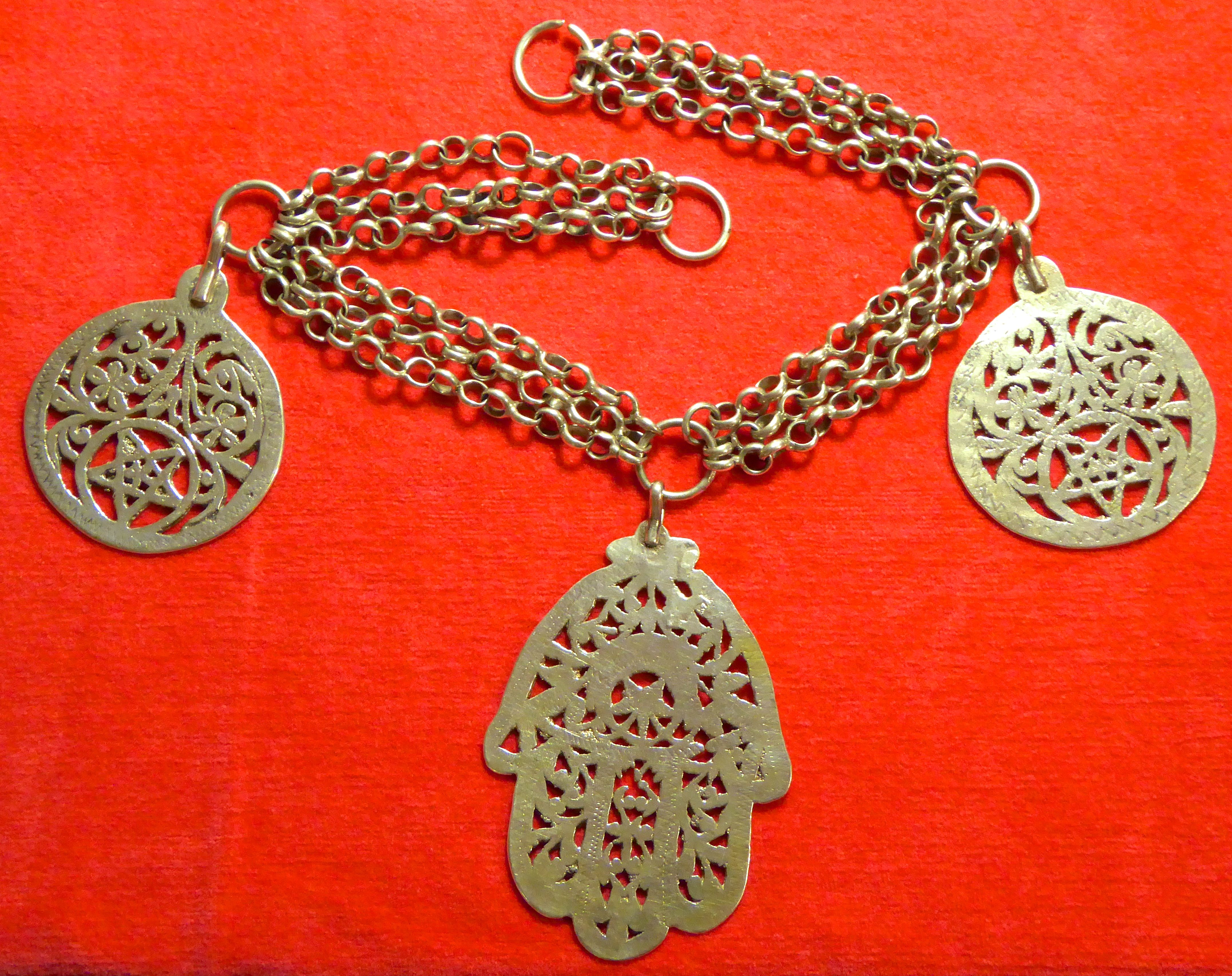 #576 Heavy massive silver necklace from Berbers in Tunesia 1960 hand-fashioned - mid-century or older  Photography by MAEDI Ingrid Kaehler-Assmann