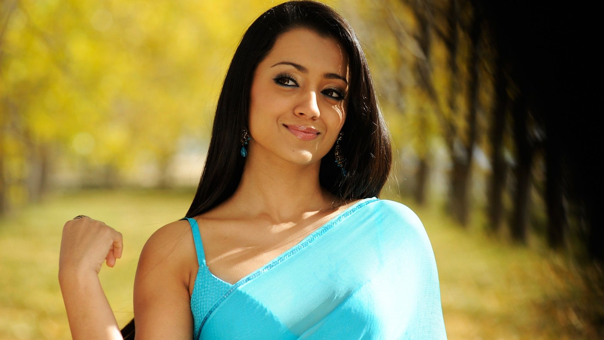 Trisha krishnan wallpapers trisha krishnan wallpaper 1 - Trisha Krishnan In Maxim Hd Wallpaper