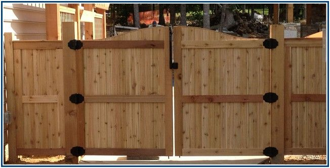 Striking Wood Fence Panels Lowes Dengan Gambar Minimalis