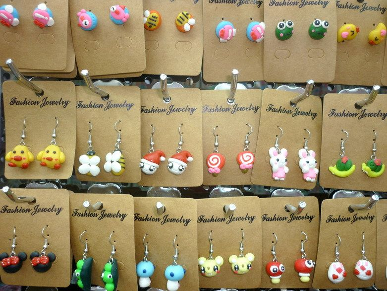 http://i01.i.aliimg.com/wsphoto/v2/780357437_1/wholesale-lots-mixed-48pairs-assorted-top-quality-soft-polymer-sweet-pretty-girl-s-skillful-dangle-earrings.jpg
