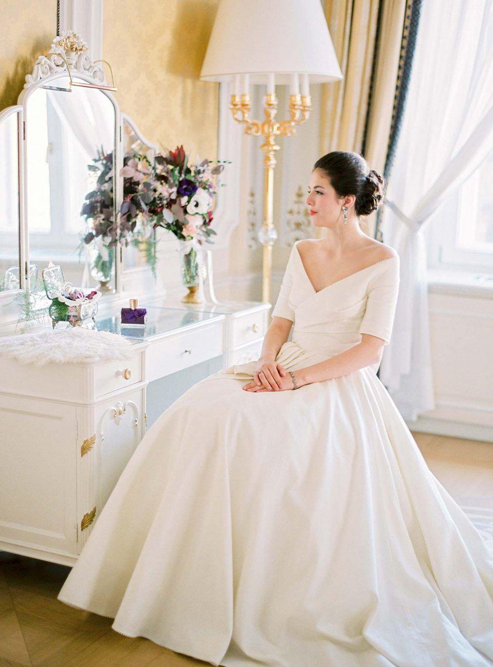 Princess & Prince Charming in Wien | Princess wedding, Wedding dress ...