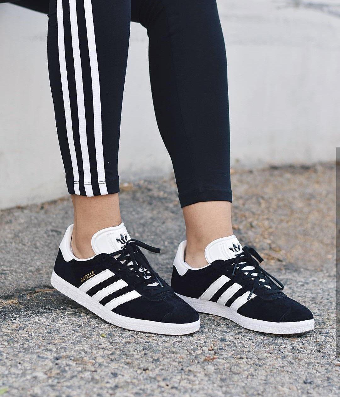 adidas Originals gazelle in schwarz weißblack white Foto