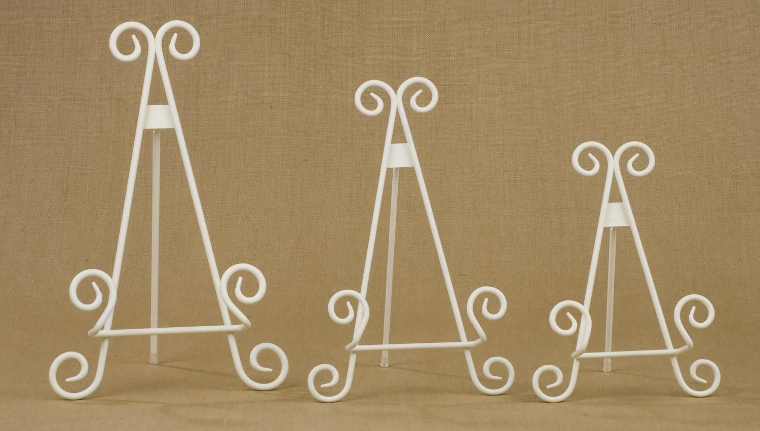 Antique White Stratford Metal Easels (Easels (Tabletop))