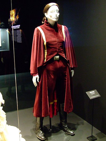 Naboo Handmaiden Battle Dress Star Wars Episode 1 The Phantom Menace Battle Dress Star Wars Costumes Costume Design