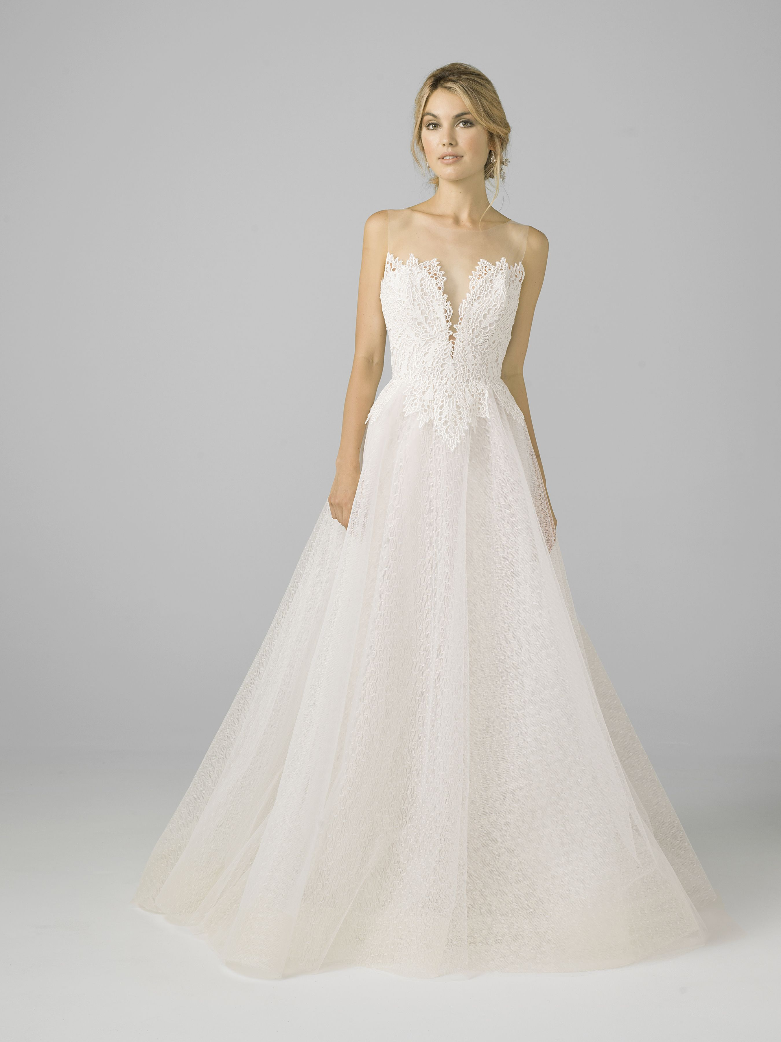 Point duesprit tulle ball gown willusion neckline u venise lace v