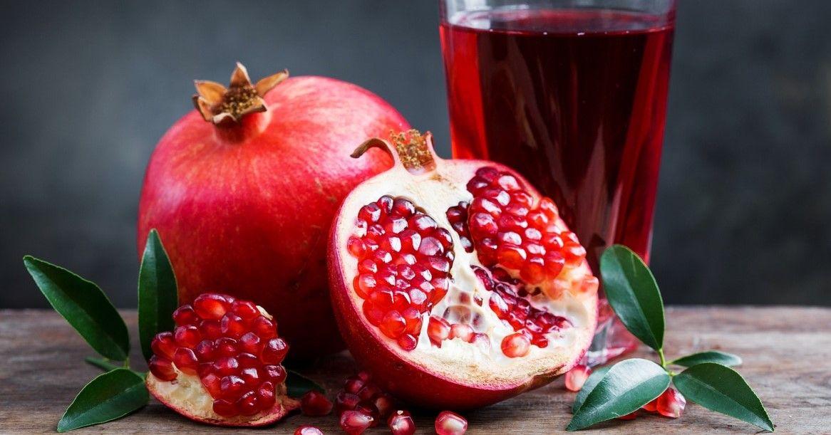 التأويلات الكاملة لتفسير حلم أكل الرمان موقع مصري In 2021 Healing Food Anti Oxidant Foods Pomegranate