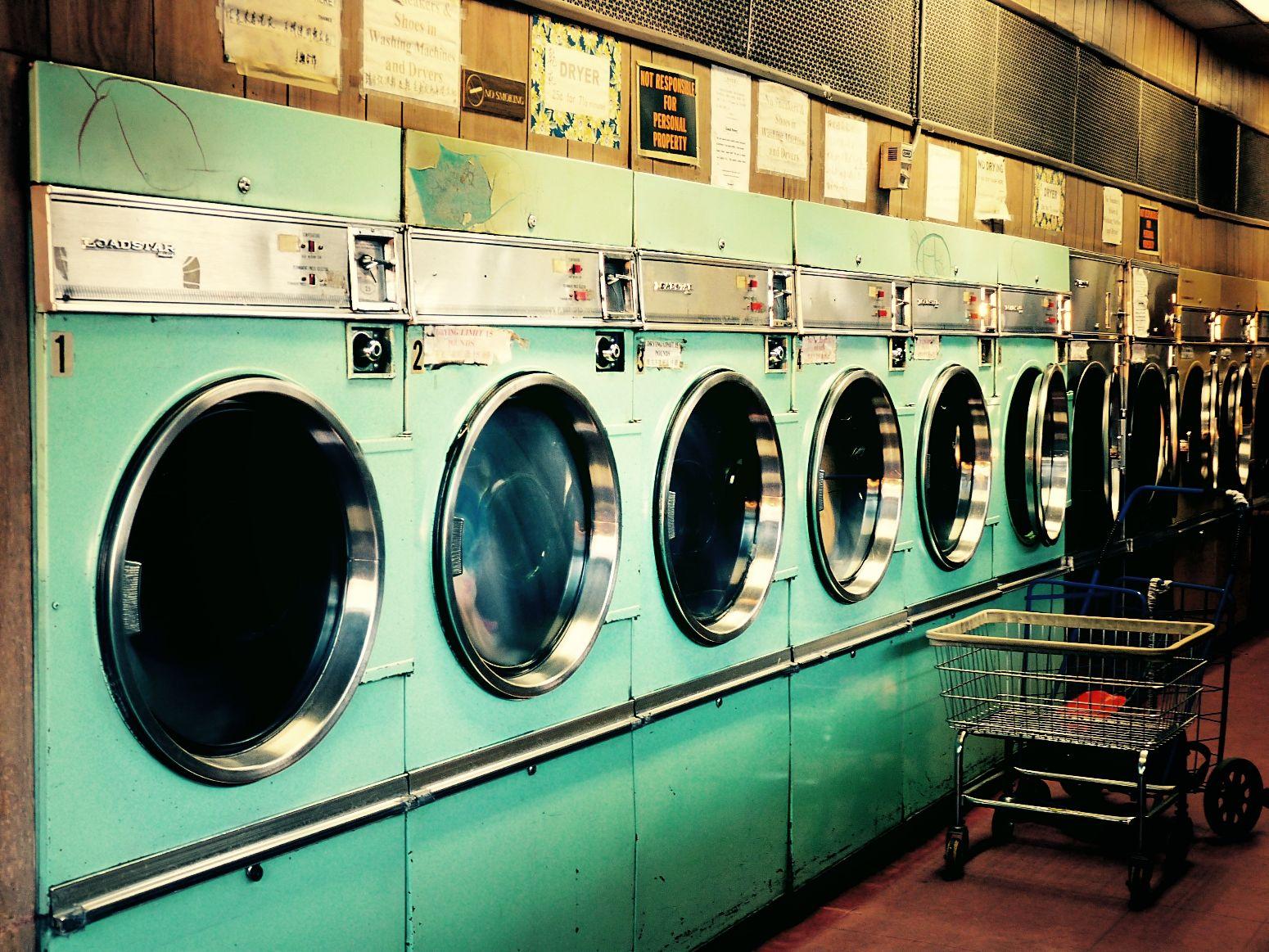 Nastygal Minkpink Laundrymat Color Scene Photoshoot