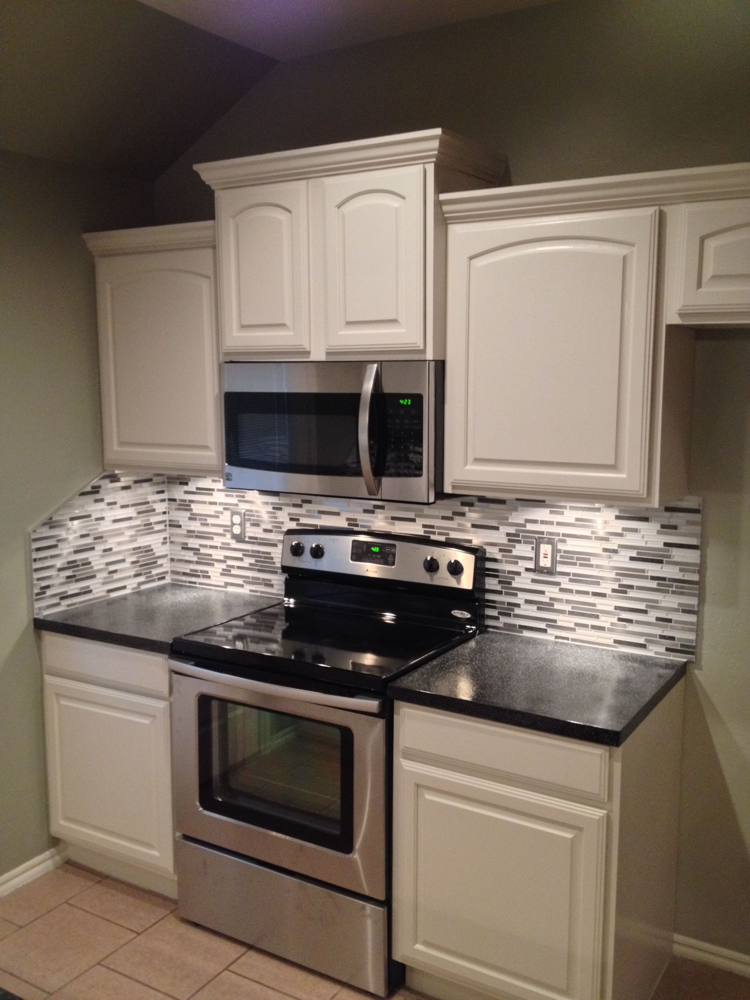 Oklahoma City U0026 Edmond Showers And Backsplash: Painted Kitchen Cabinets,  New Counter Tops,