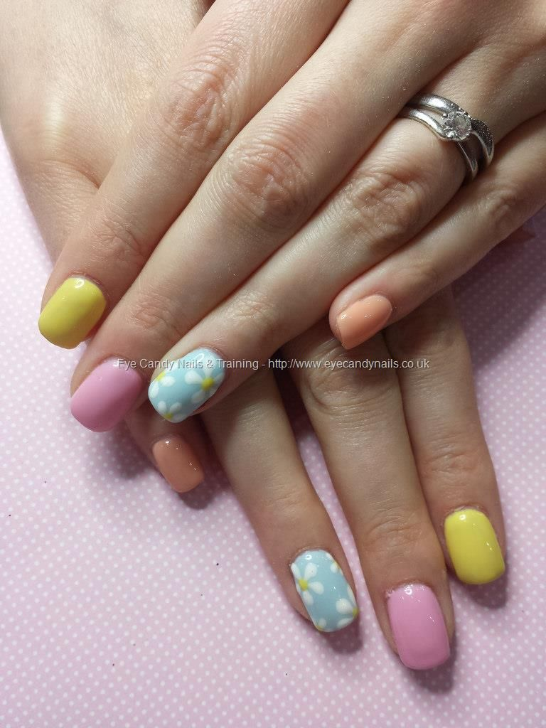 Pastel Gel Polish With White Flower Nail Art Eye Candy Beautiful