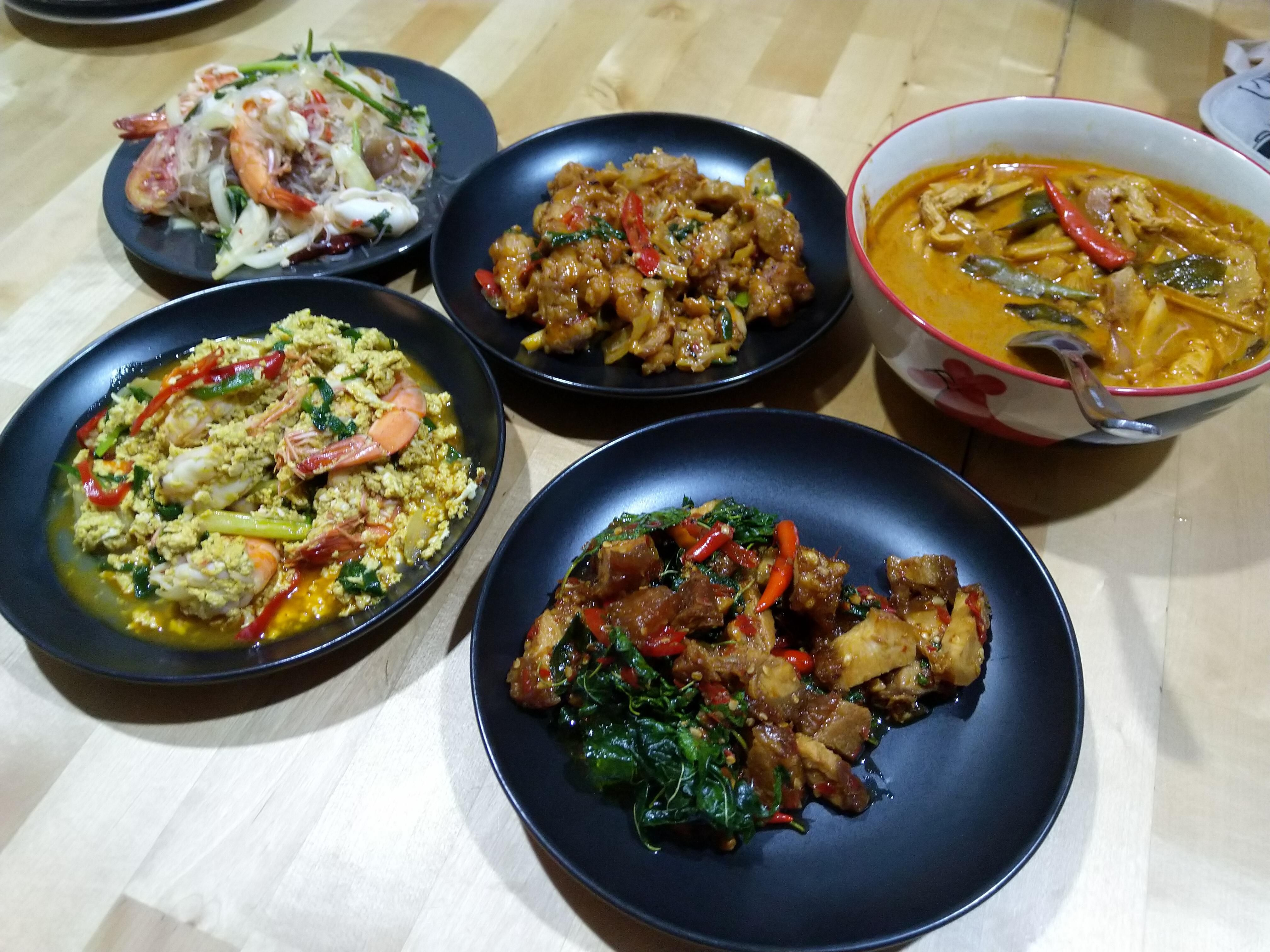 [HOMEMADE] Spicy seafood salad stir fry shrimp with curry powder cashew chicken stir fry basil with crispy pork and tom yum chicken. #food #foods #stirfryshrimp [HOMEMADE] Spicy seafood salad stir fry shrimp with curry powder cashew chicken stir fry basil with crispy pork and tom yum chicken. #food #foods #stirfryshrimp