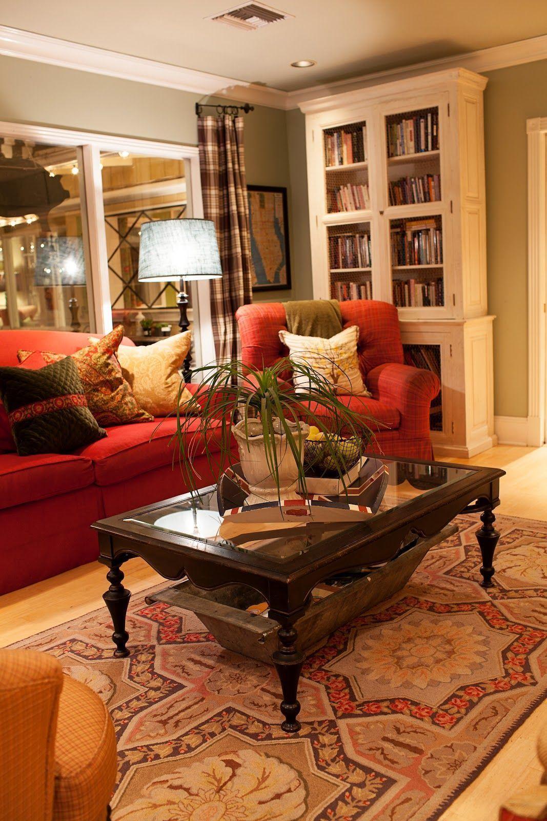 49 Amazing Living Room Ideas You Need To Try En 2020 Salons Rouges Decoration Salon Sejour Peinture Salon Camo living room decor