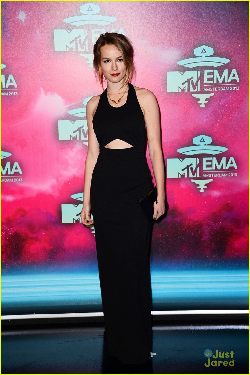 4c8d9c02c6 Bridgit Mendler - MTV EMA 2013 Red Carpet