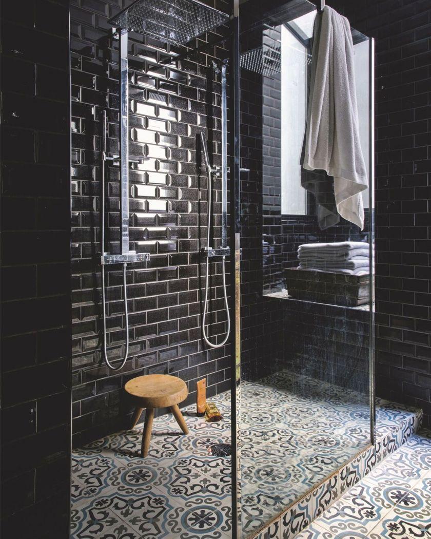 Utiliser Le Carrelage Metro Dans La Salle De Bain Decoration Salle De Bain Idee Salle De Bain Designs Carrelage Douche