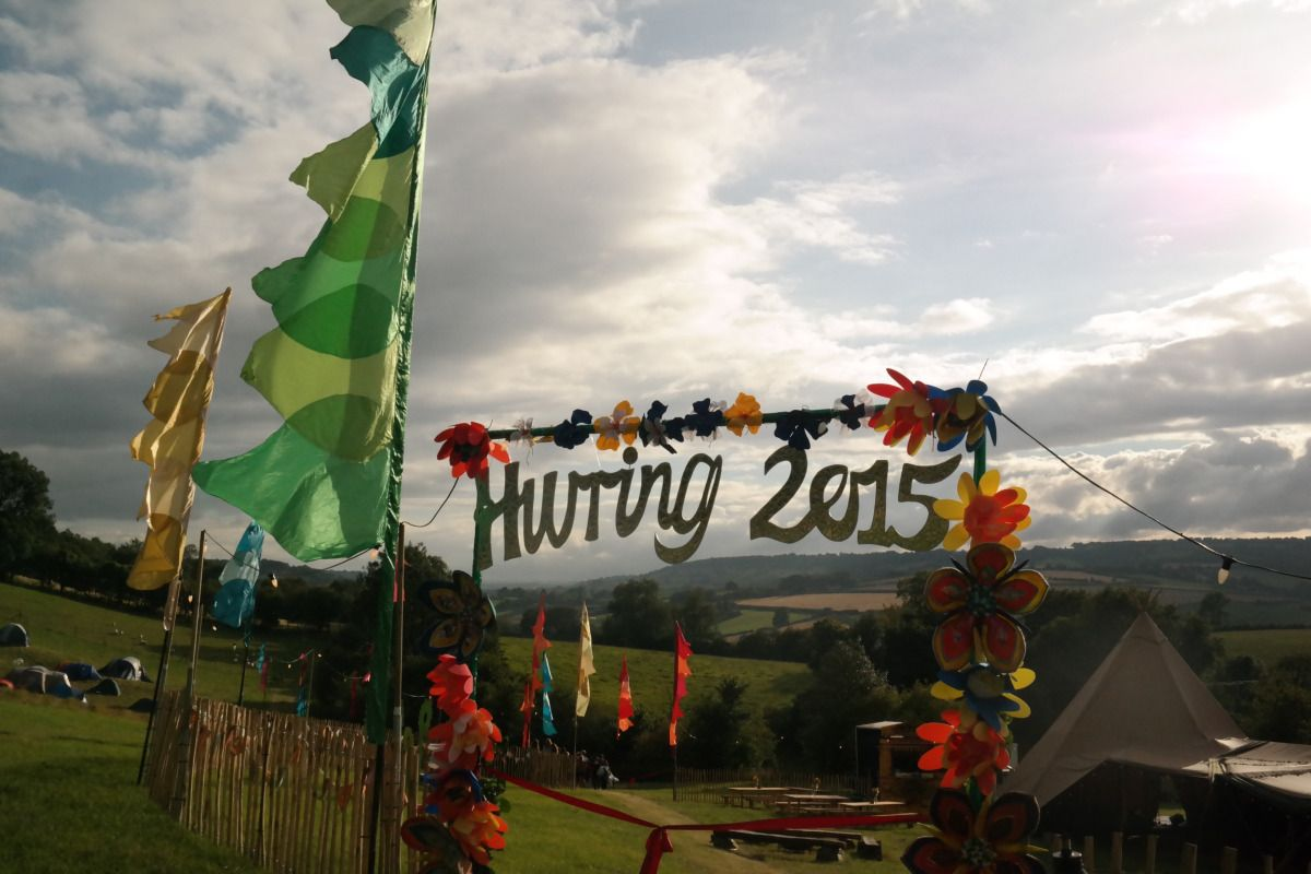 I'm SO excited to share this event with you from August this year! A joint 50th, 18th and 17th celebration, this Festival in a Box event took place on a stunning farm on the outskirts of Bath, with...