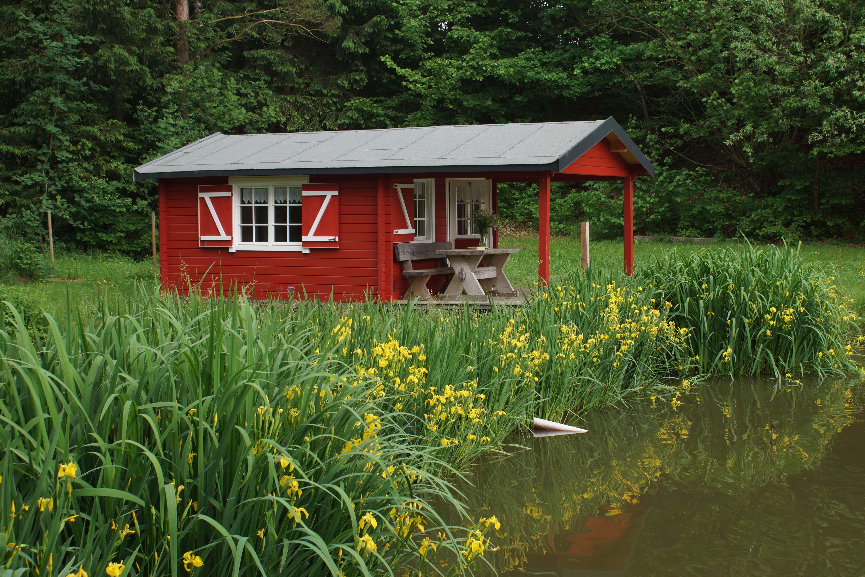 Unser Kunde Hat Das Gartenhaus Aalborg 70 Im Schonen Schwedenrot Gestrichen Passt Perfekt In Die Idyllische Seenlandschaft Nicht Wahr Evler