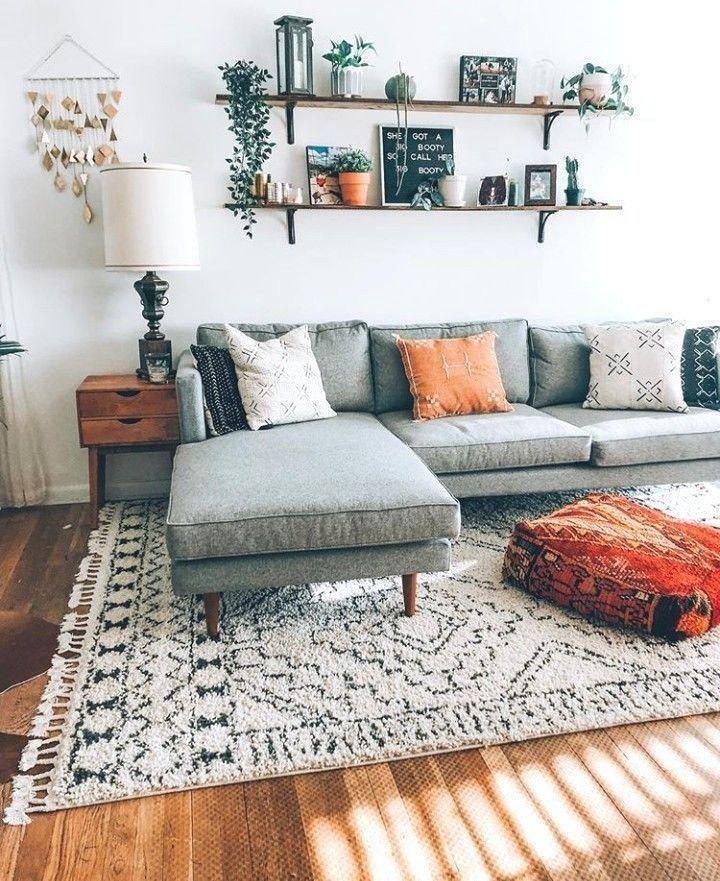 Sehr einfaches Wohnzimmer an einer Wand Sehr einfaches ...