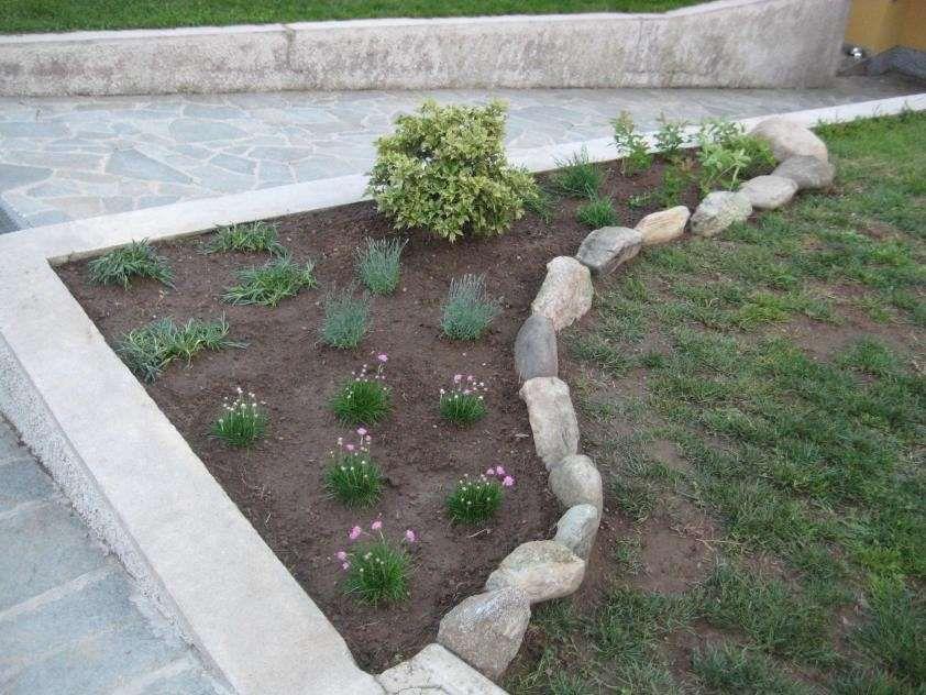 Giardini Moderni Con Sassi : Decorare il giardino con i sassi nel garden design