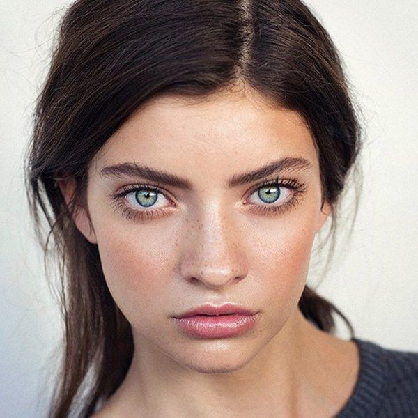 Blue Eye Look Credit Ashleapenfold Brunette Makeup Hair Care