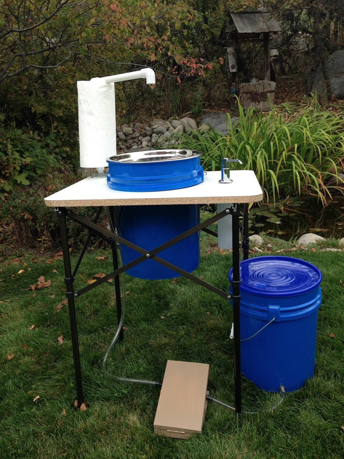 Deluxe Camp Sink Make your outdoor experience more clean