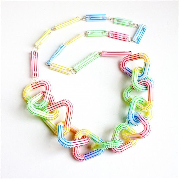 Loving the fresh stripes on this neckless made of bendy straws.