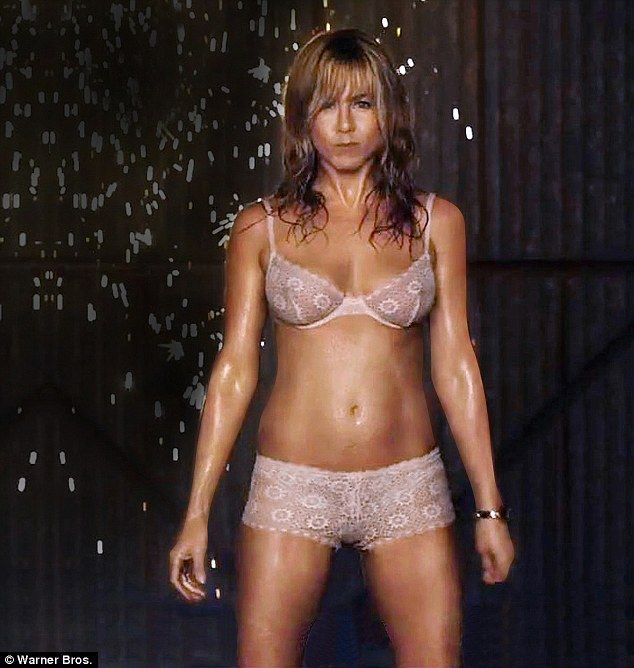 Yoga Body Jennifer Aniston Credits Yogalosophy For Her Incredible Toned Figure Pictured In The Trailer Were Millers