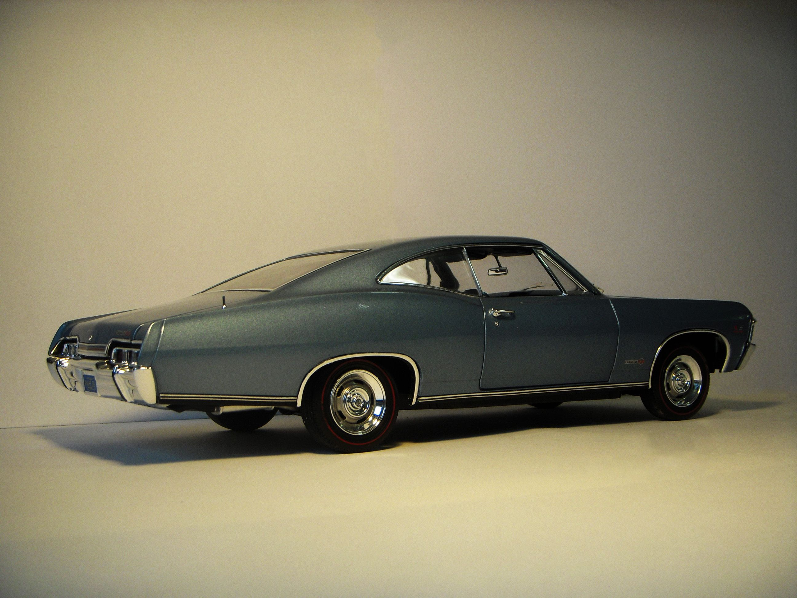1967 chevrolet impala ss 427 diecast by autoworld