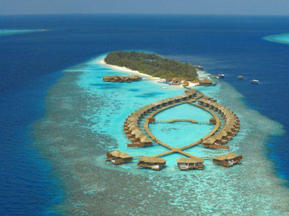 Lily Beach Resort auf den Malediven: Luxus in der Lagune ...