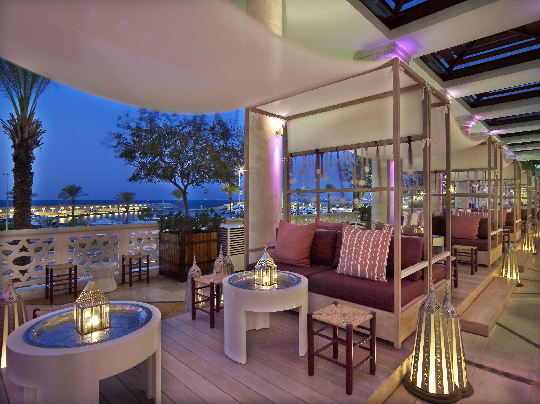 Chill Lounge Interior Decor The Phoenicia Hotel In