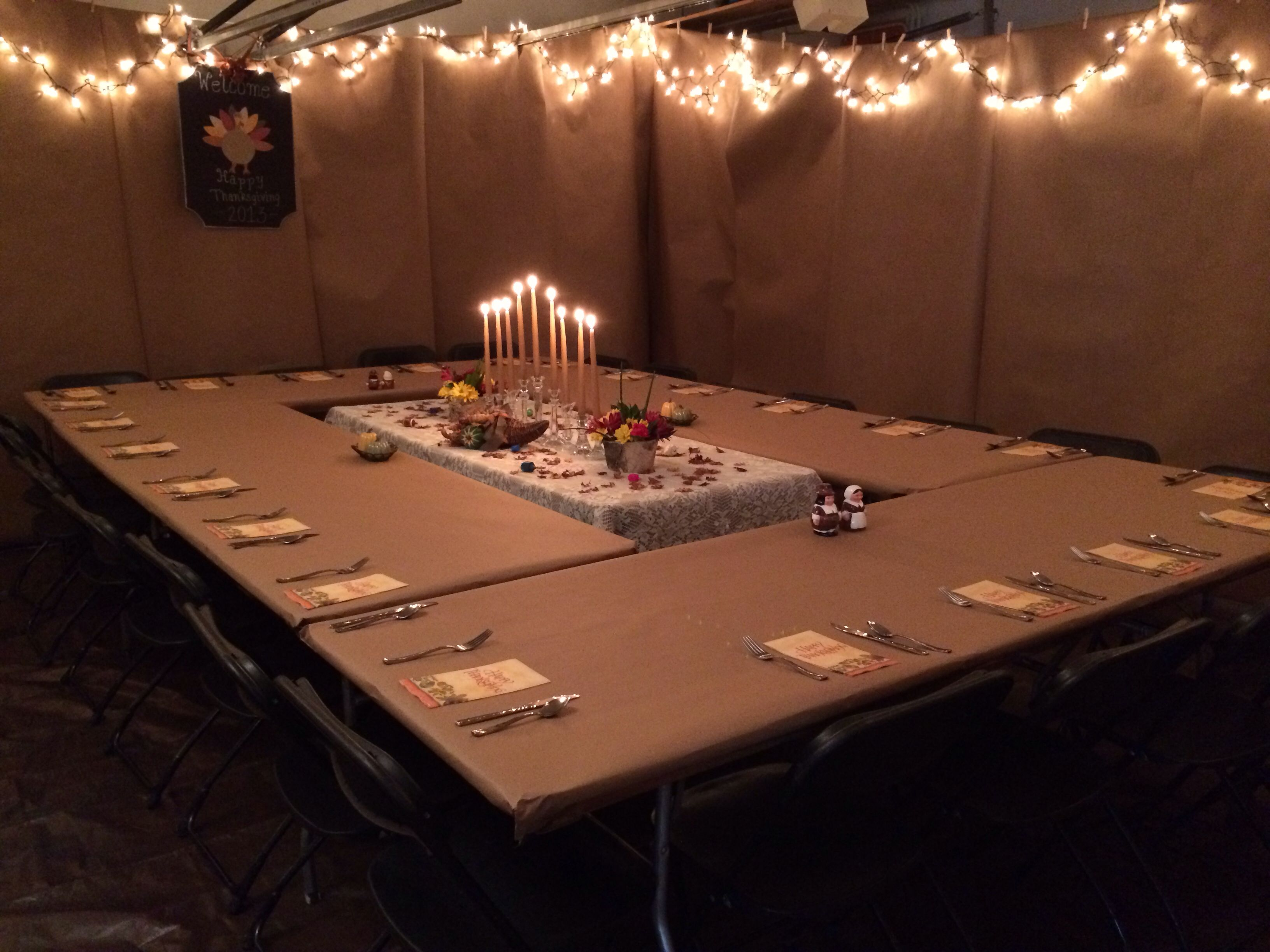 great idea for large dinner party in the garage | cool party ideas