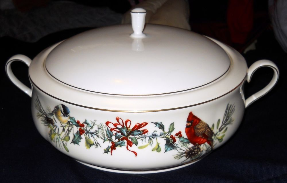 Lenox Winter Greetings Fine Ivory China Covered Casserole ...