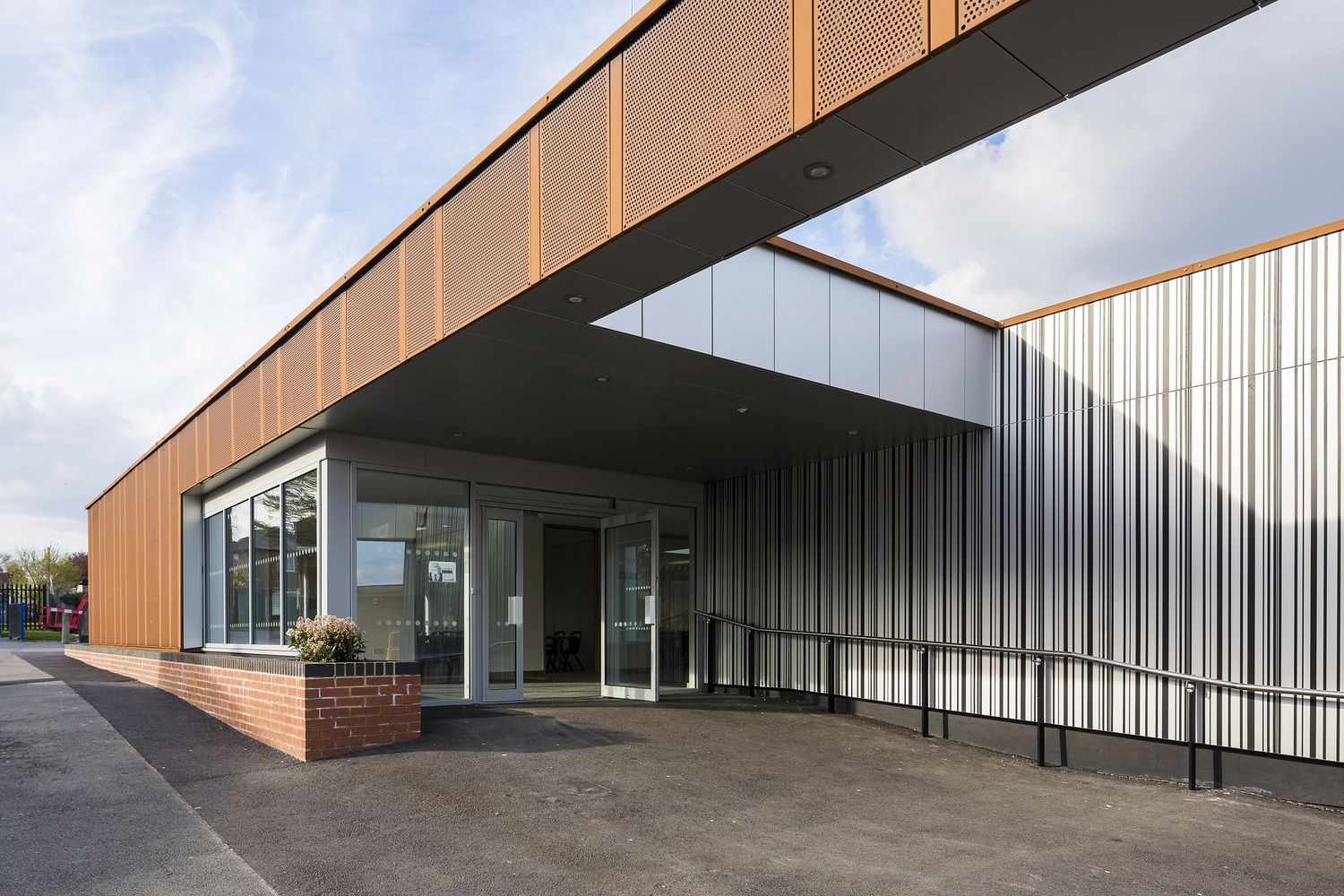 Gallery of Carshalton Boys Sports College / Fraser Brown
